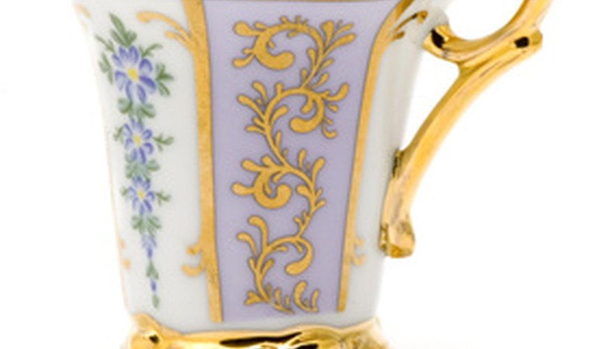 Antique tea cups come in a wide range of styles.