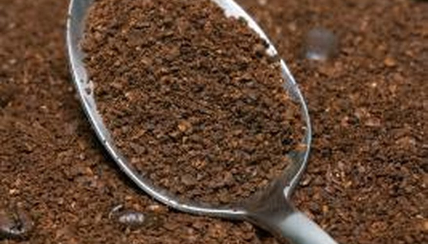 Coffee grounds naturally remove unpleasant smells.