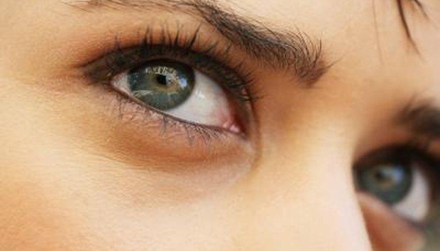 Large eyes.