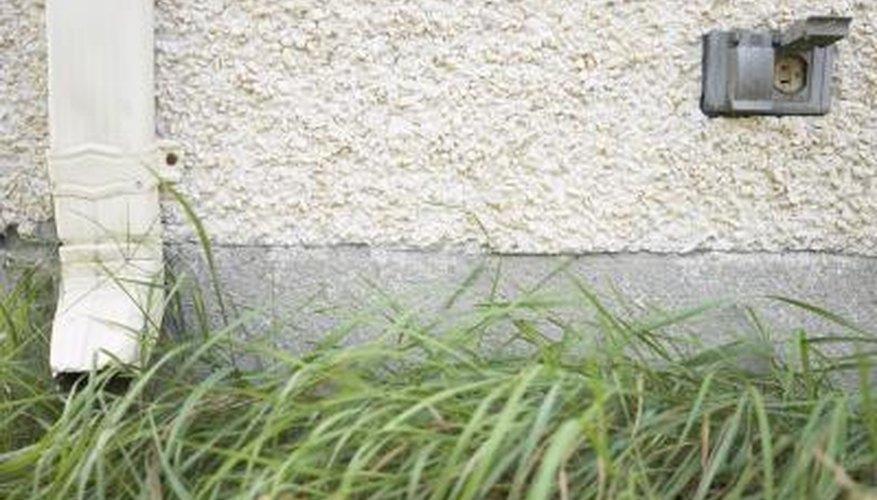 Outdoor aluminum gutter spout