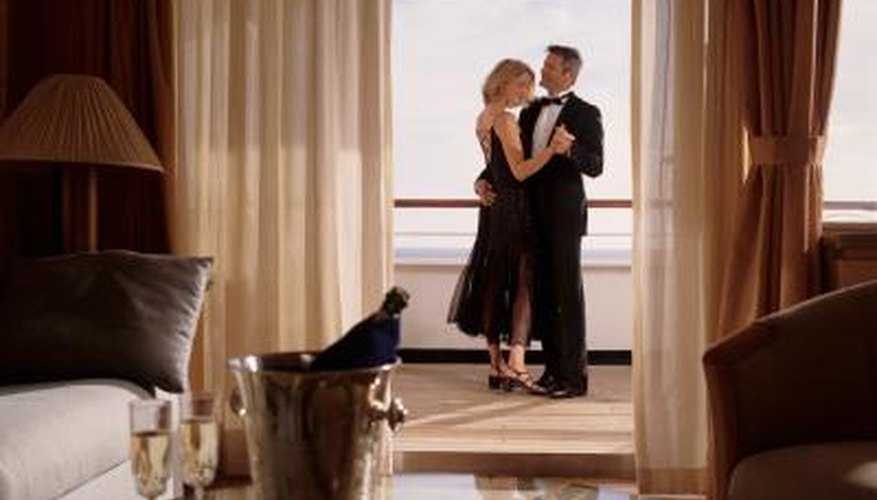 How To Have A Romantic Night At A Hotel Dating Tips