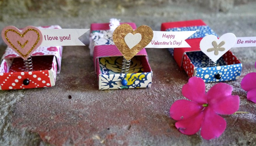 A Valentine's message pops out when the matchbox is opened.