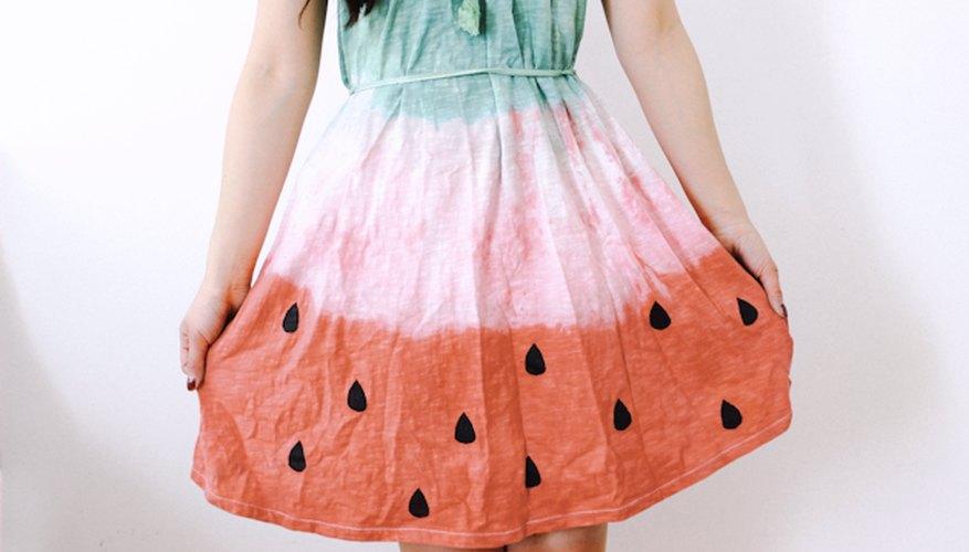 Una vez que la pintura esté seca, tu vestido estará listo para ser usado.