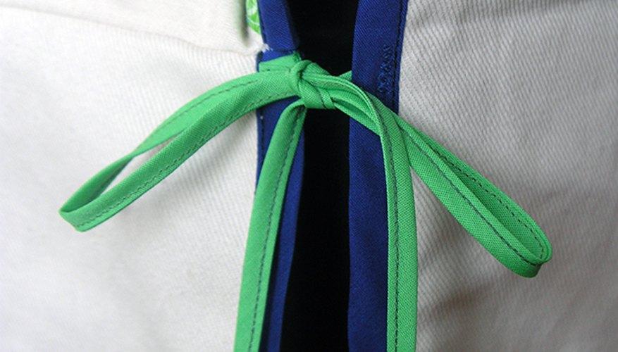Añade las tiras para ajustar la funda.