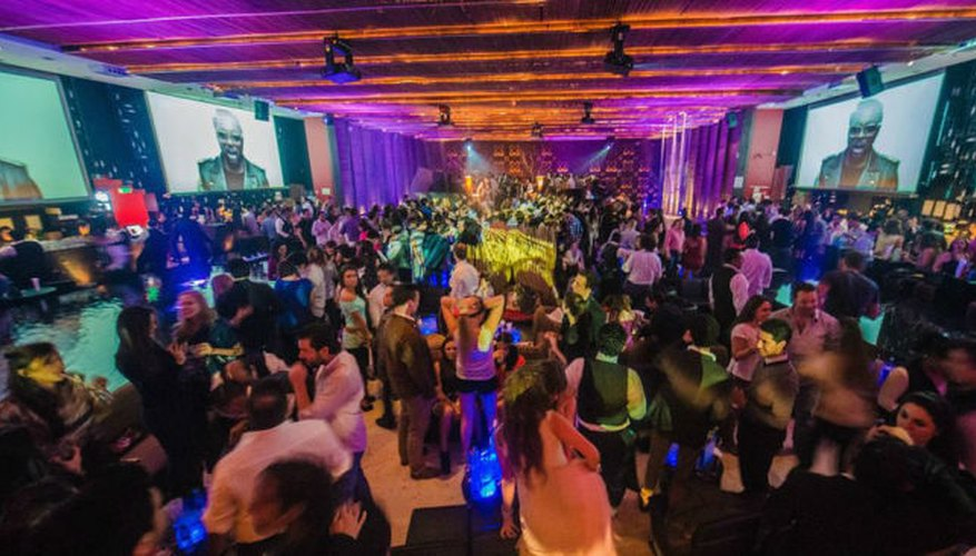 La pista del Joy Room colmada de clientes bailando
