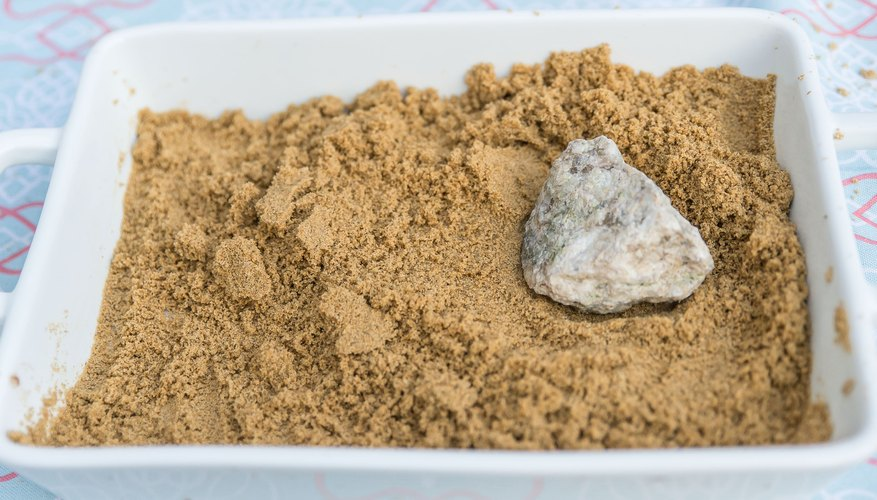 How To Make Sand Dunes For A School Project Sciencing