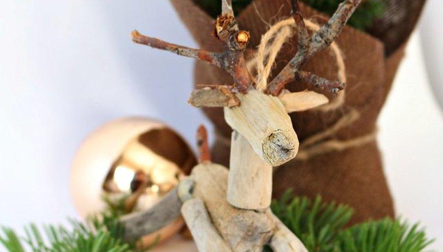 Comienza una tradición navideña creando adornos.