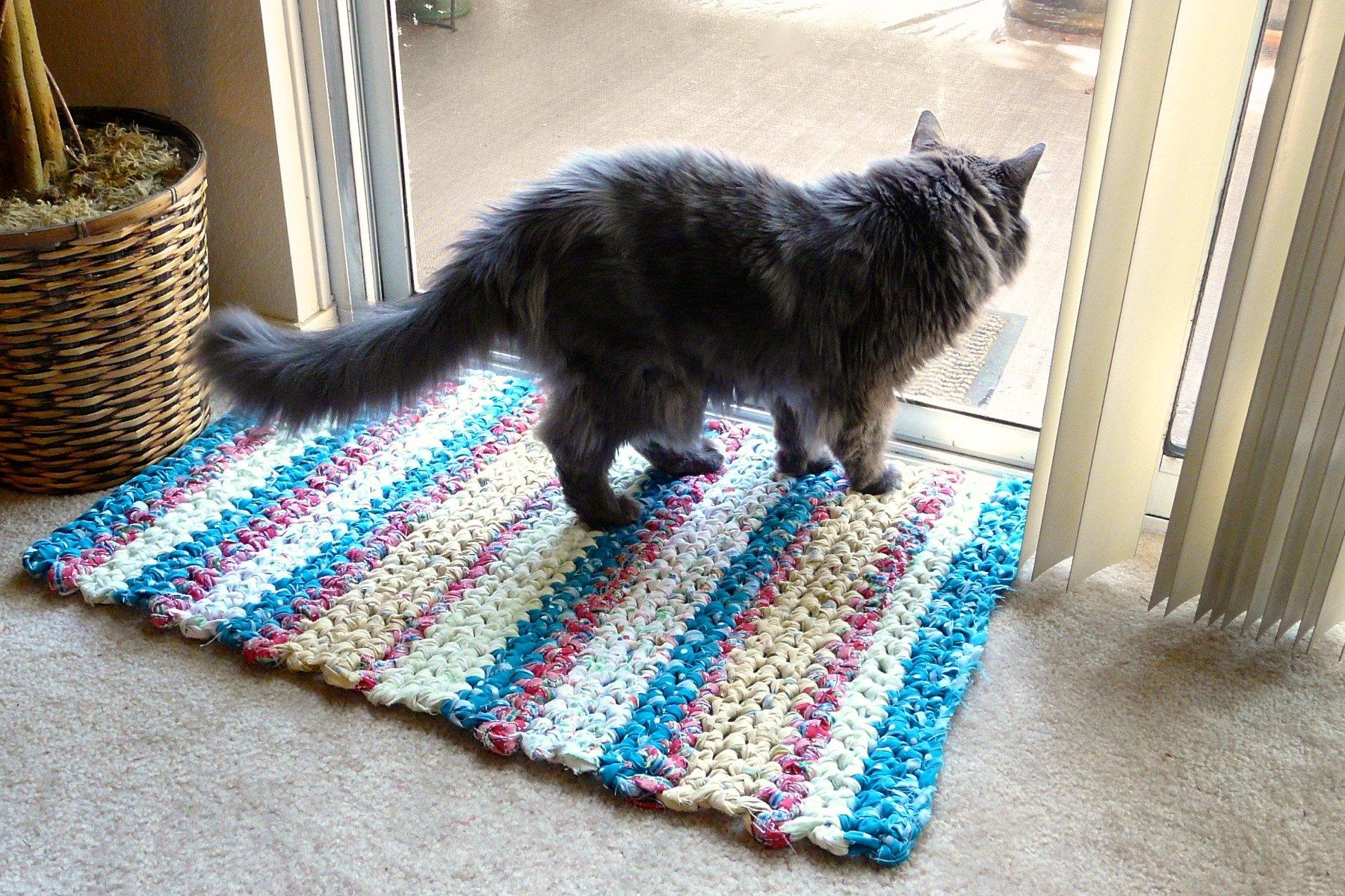 How to Make Crocheted Rag Rugs