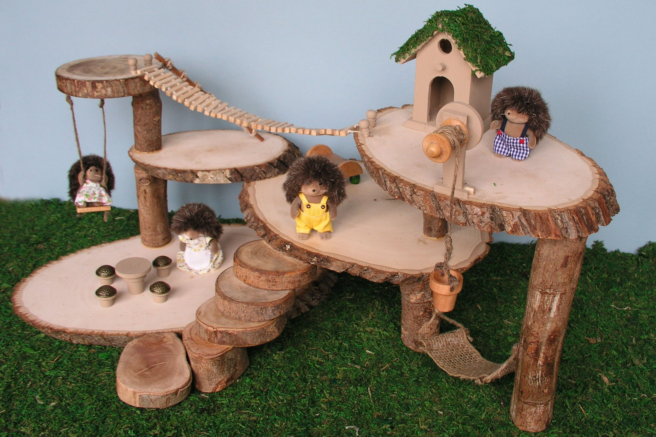 How to Make a Tree House Dollhouse (with Pictures)