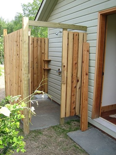 diy outdoor shower ehow. Black Bedroom Furniture Sets. Home Design Ideas