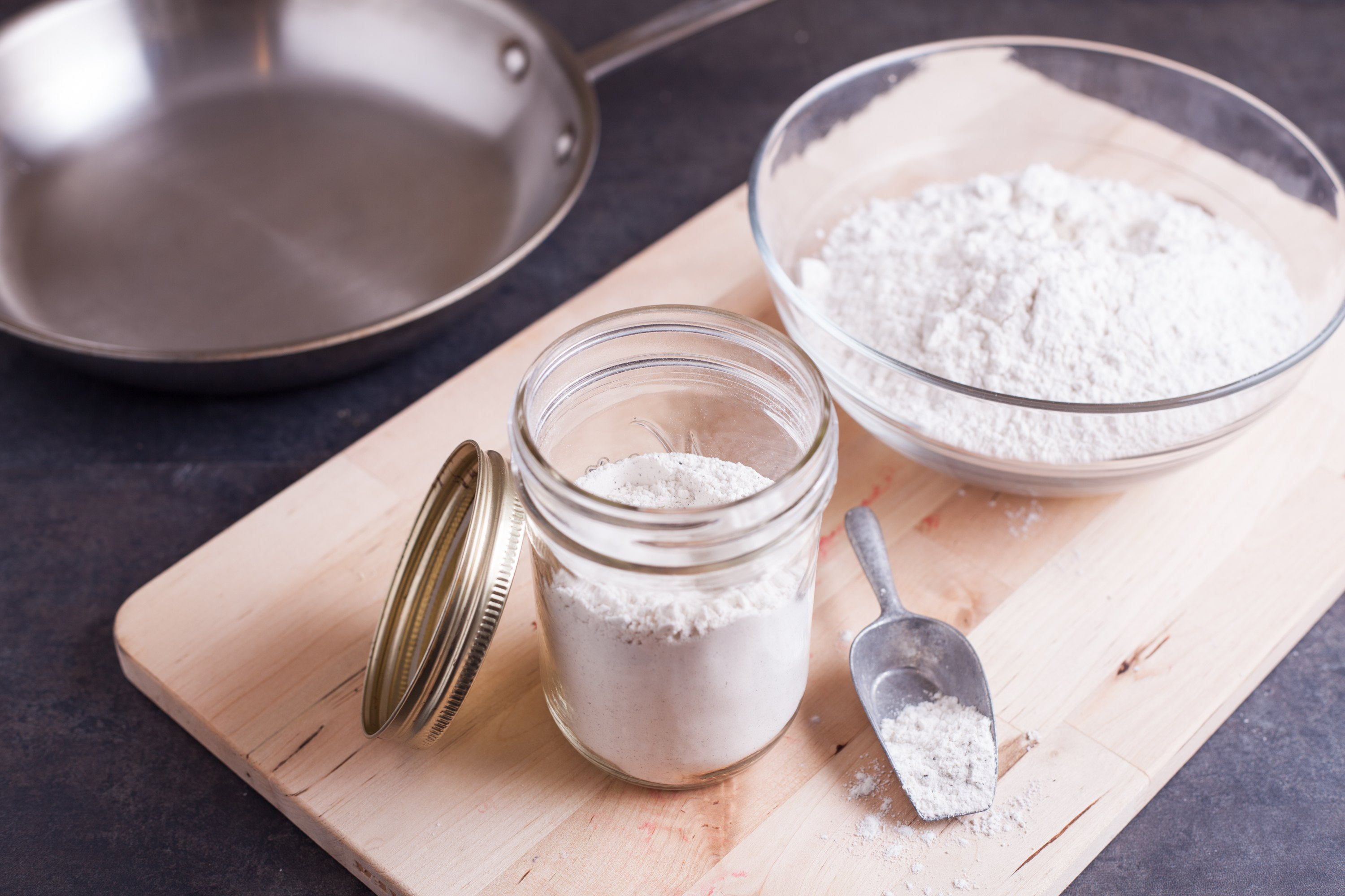 How to Make Pan-Searing Flour (with Pictures) | eHow
