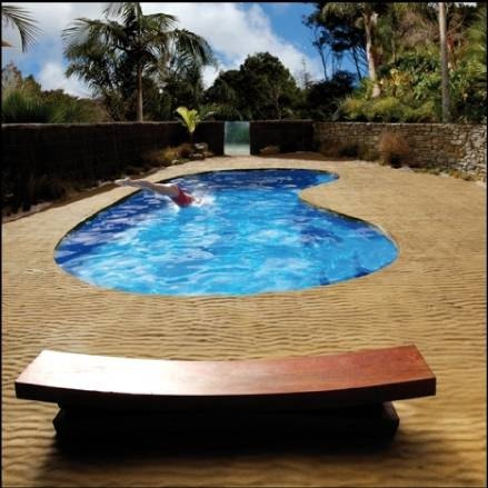 About inground pools ehow for Least expensive inground pool