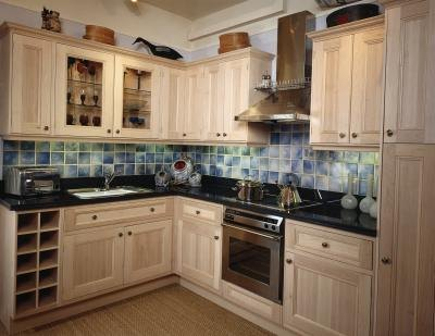 change color of kitchen cabinets how to change the color of kitchen cabinets with pictures 8126