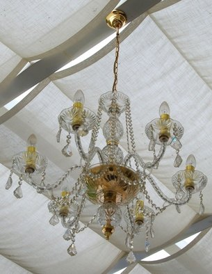 How to spray clean a chandelier ehow - Comment brancher un lustre ...