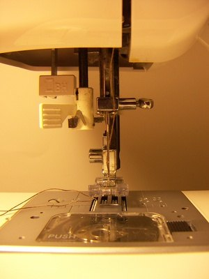 singer sewing machine bobbin replacement
