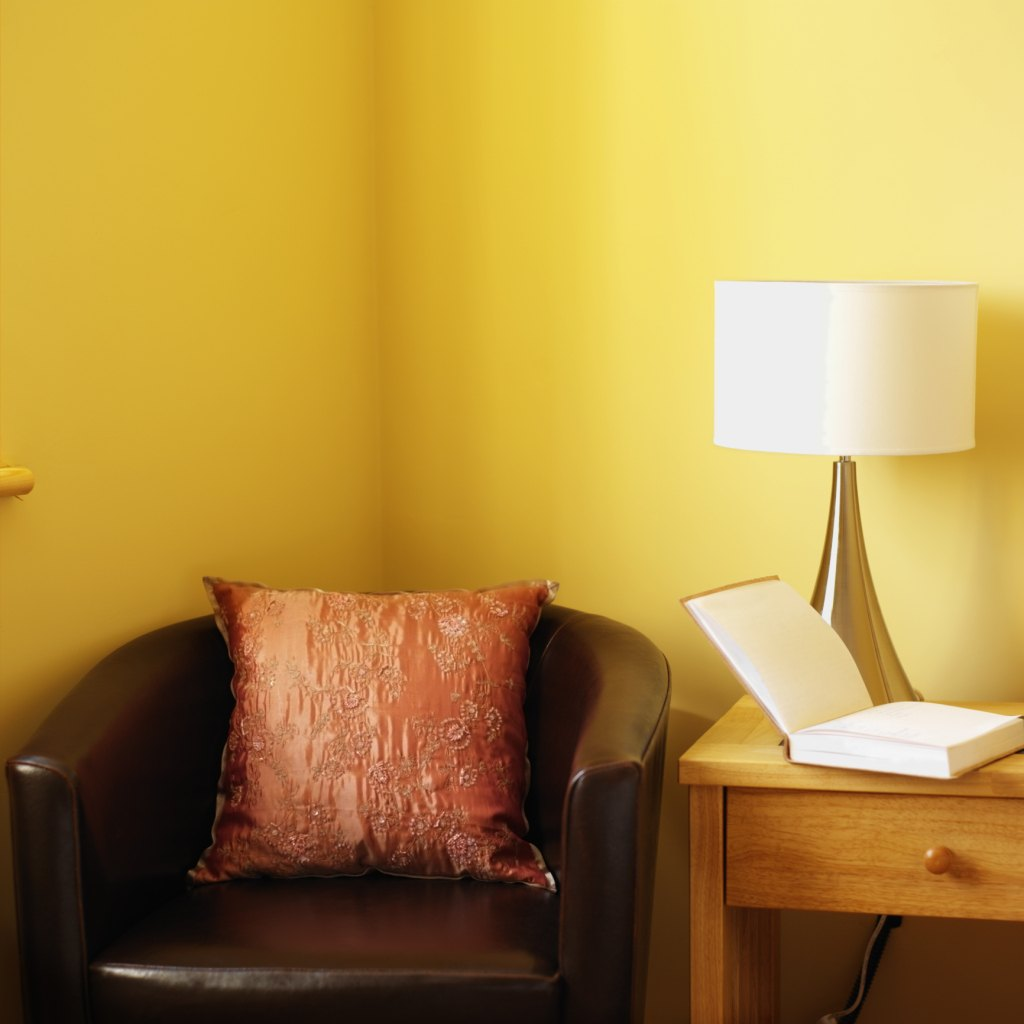 Light Variety Of Styles To Complement Your Home Decor: What Colors Would Go Well With A Pale Yellow Wall?