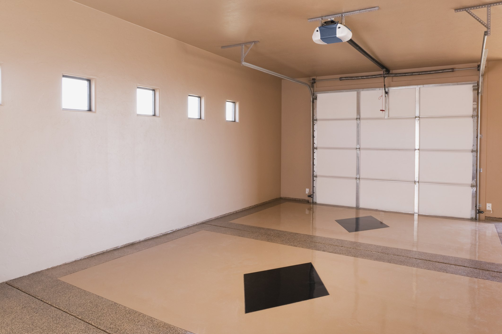 Turning a garage into a studio apartment ehow for How much to build a garage apartment