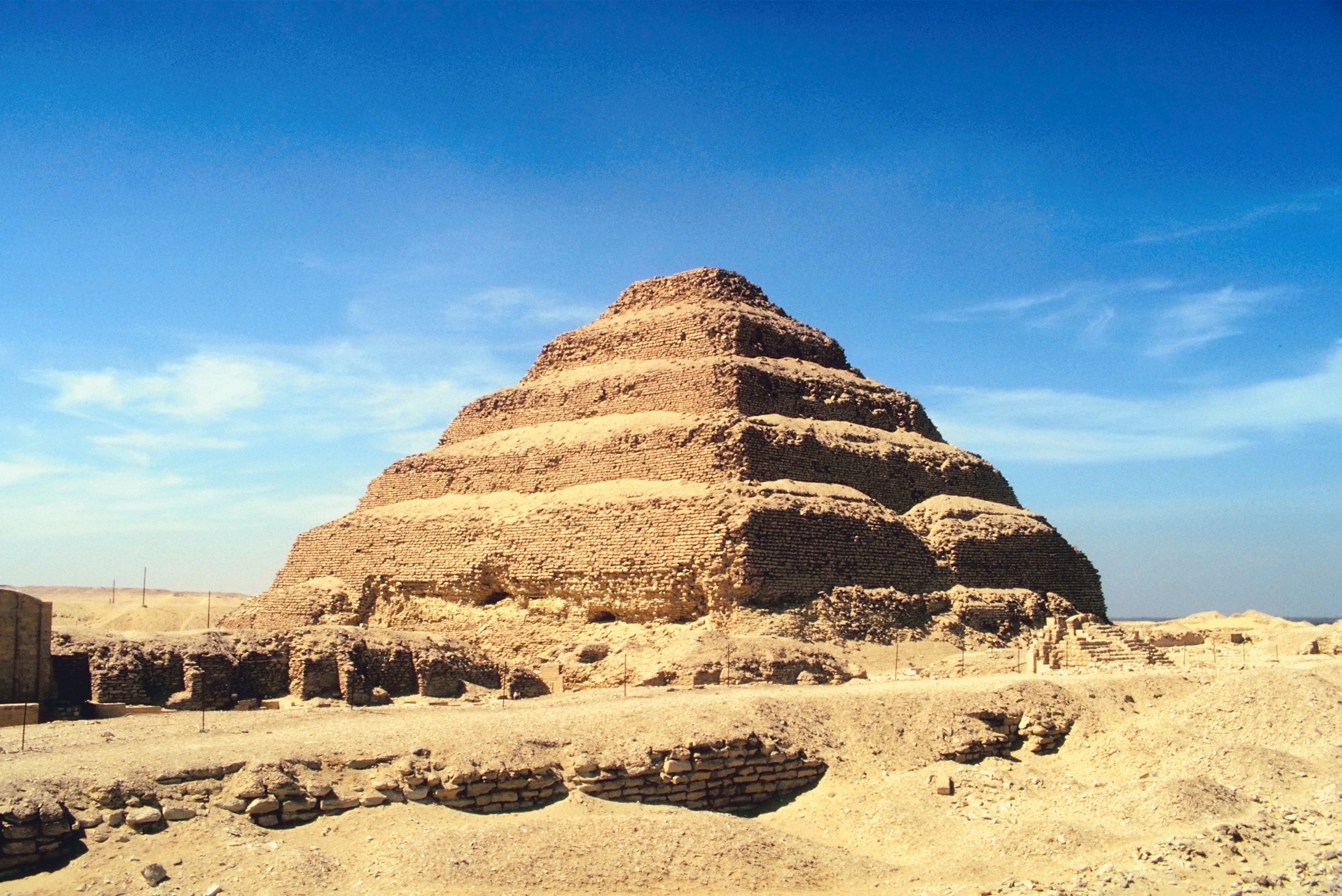 structures: pyramids, stonehenge, and ziggurats essay Pyramid vs ziggurat : pyramid: ziggurat: producing culture: egyptian sumerian (mesopotamian) function of structure: tomb temple material in interior.