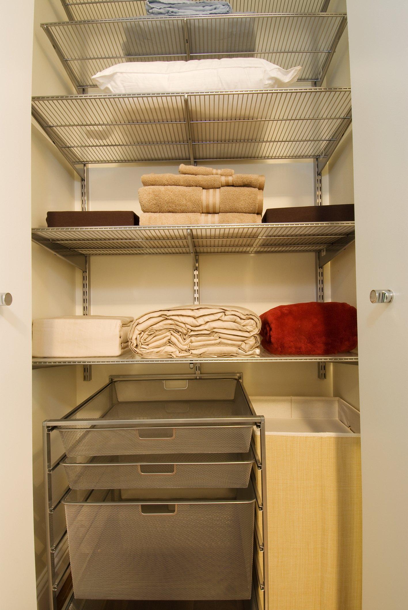 how to build closet shelves ehow. Black Bedroom Furniture Sets. Home Design Ideas