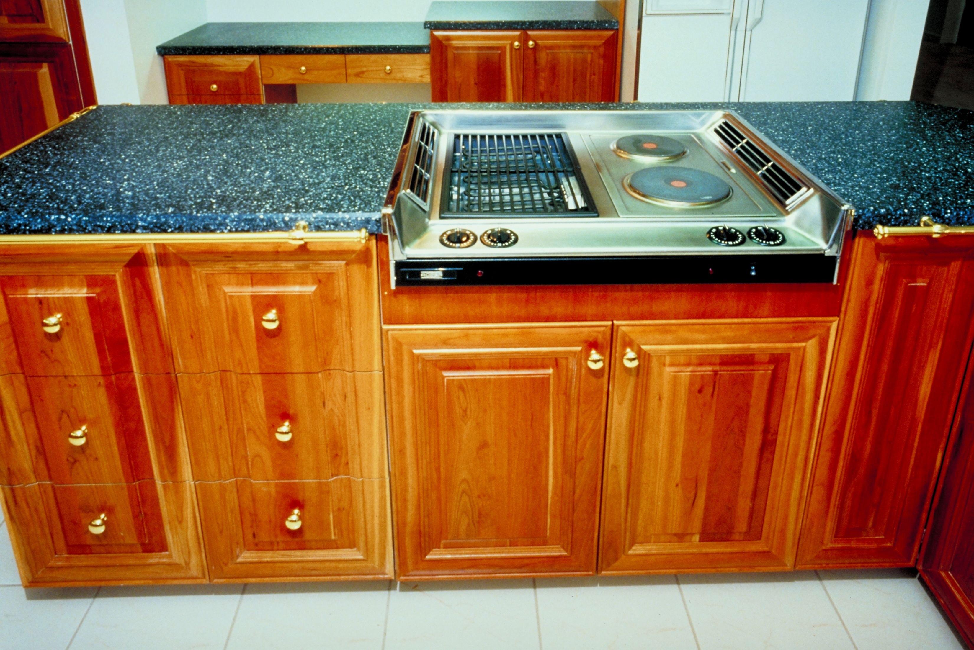 Water Base Vs Oil Base Polyurethane Kitchen Cabinets Ehow