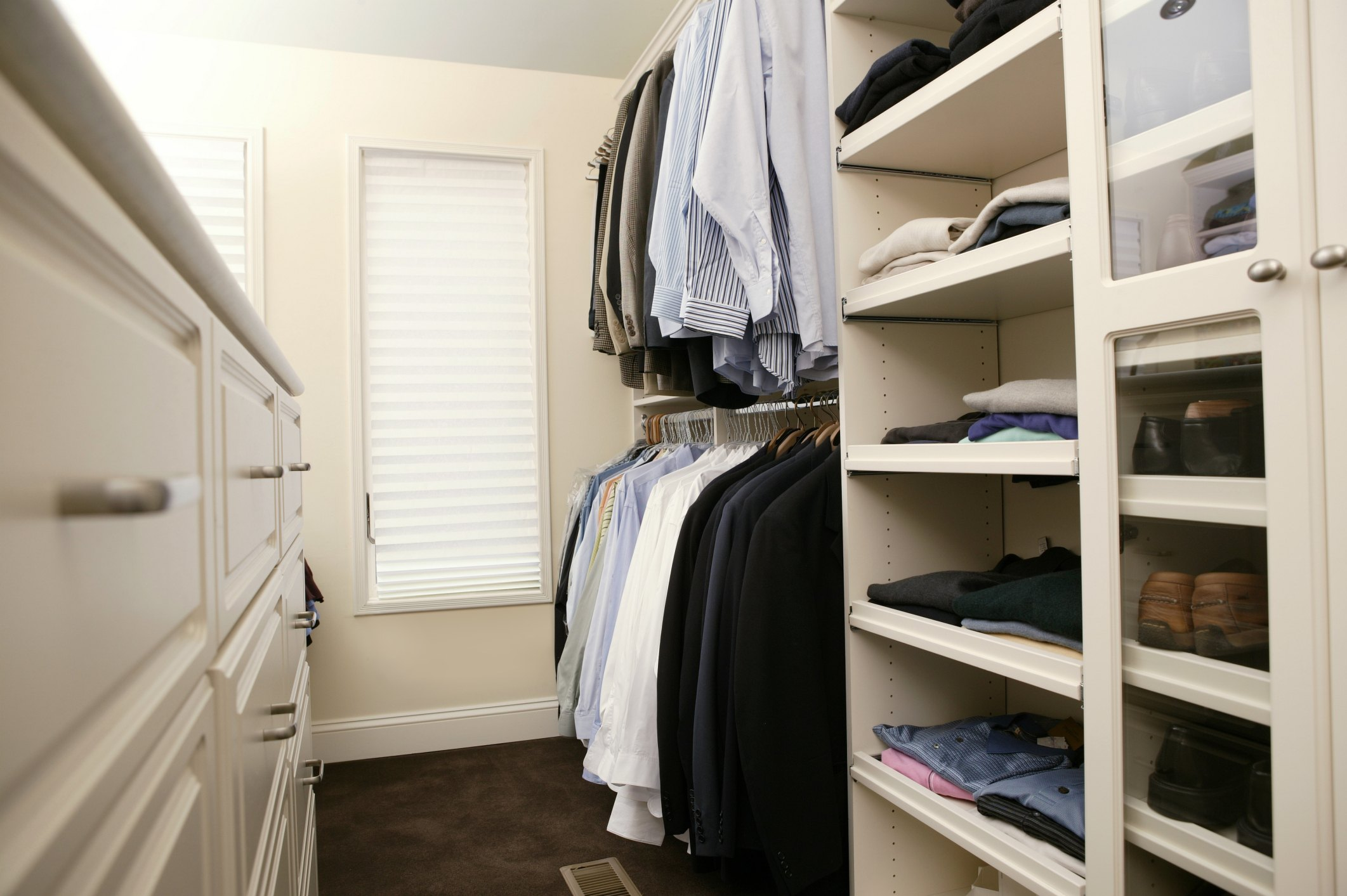 how to build a closet in a small bedroom ehow 17184 | 78432578