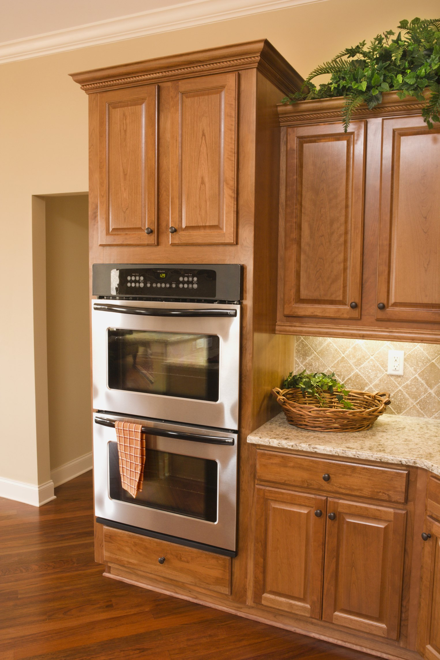 What Kind of Deglosser Can You Use for Cabinets? | eHow