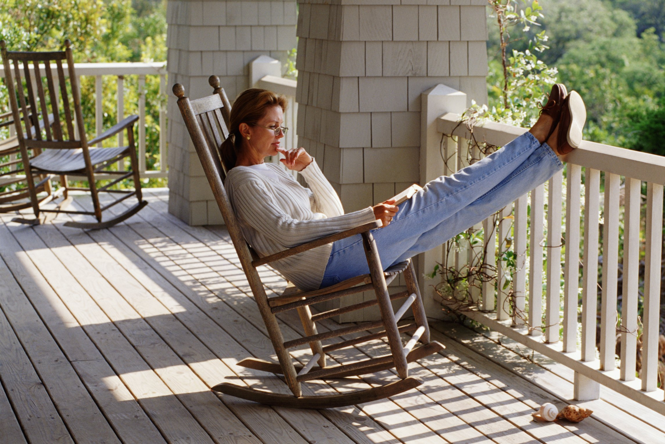 How To Refinish An Old Metal Porch Glider Ehow