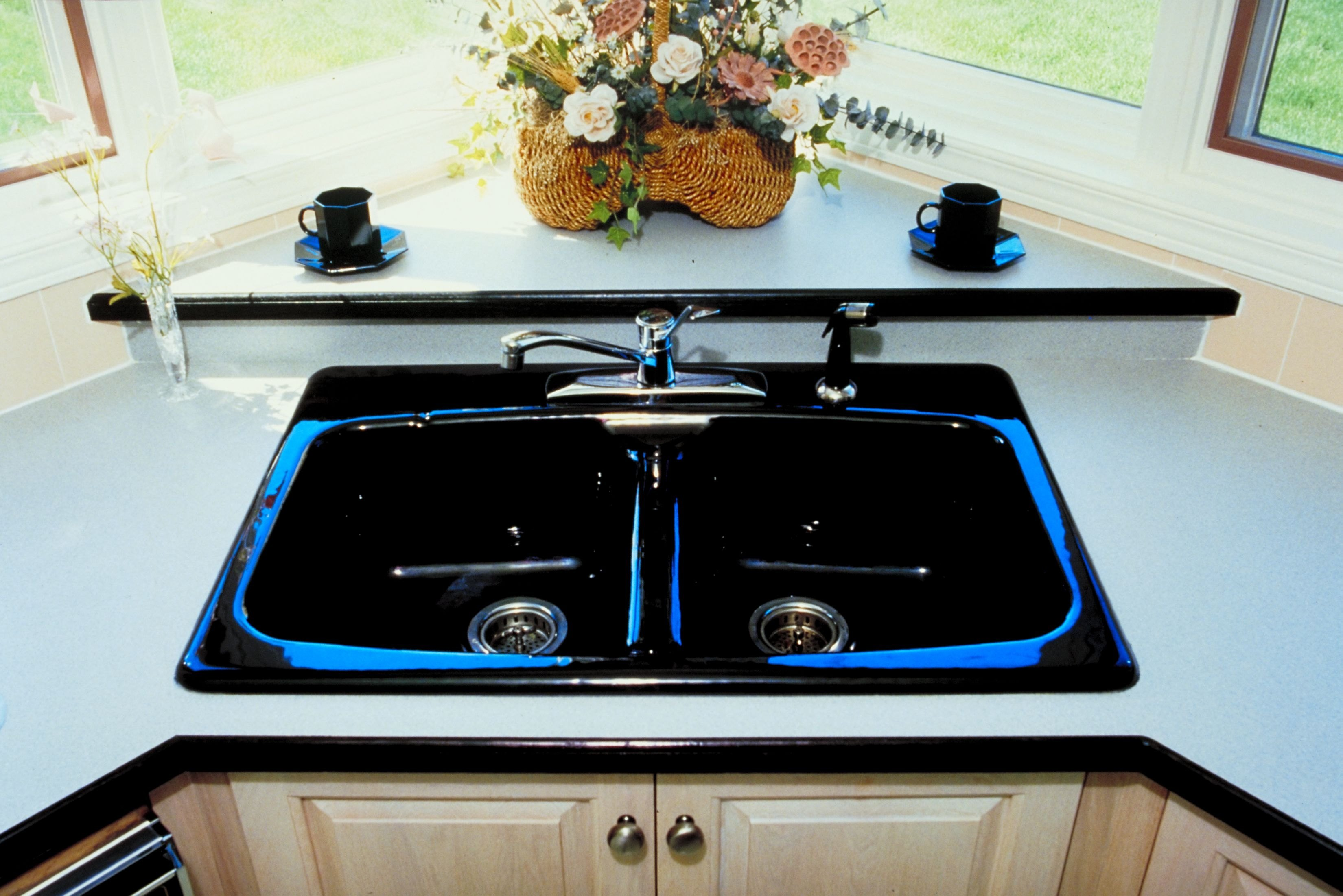 Dimensions of a Sink Corner Base Cabinet | eHow