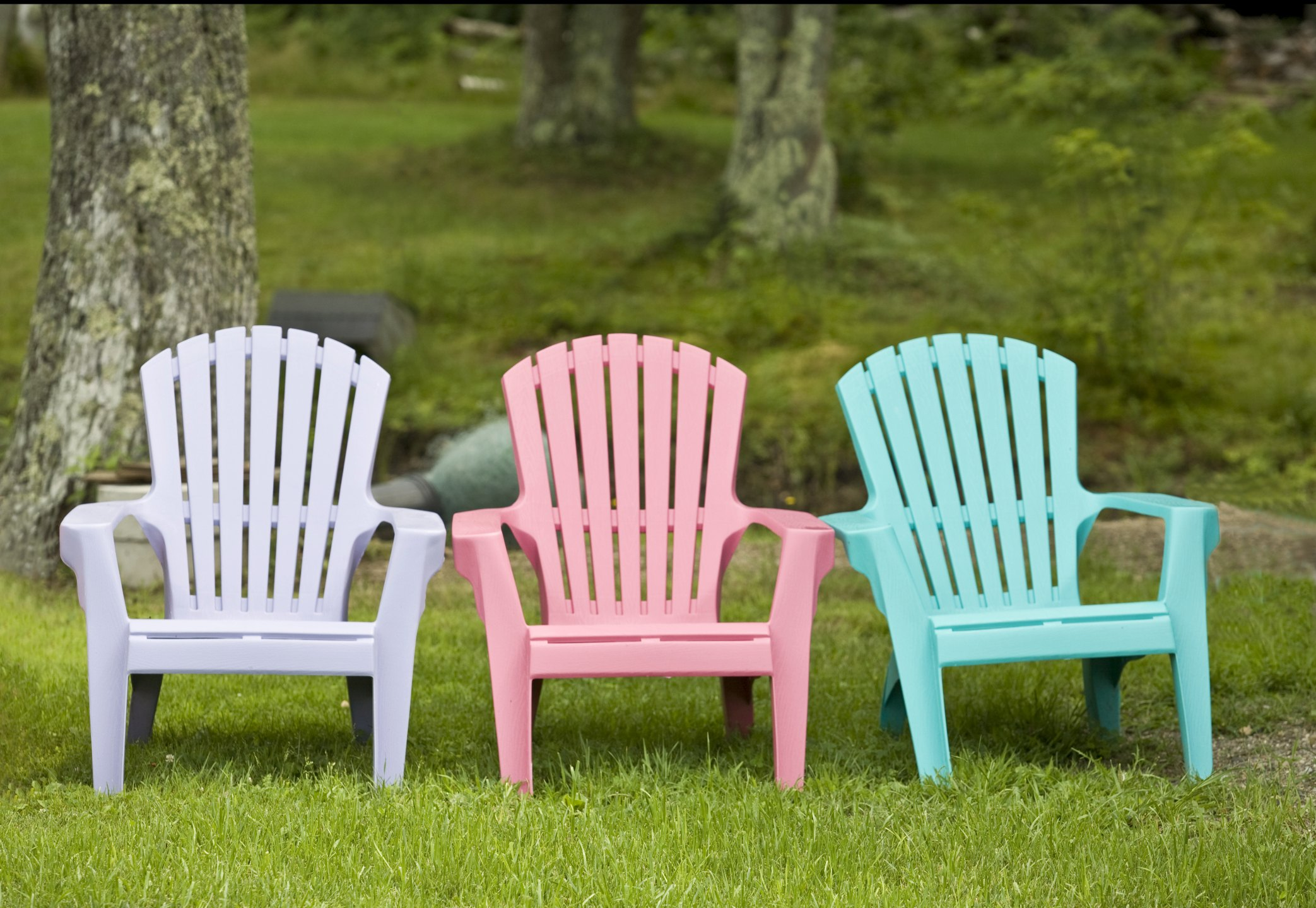 How To Paint Plastic Lawn Chairs Ehow