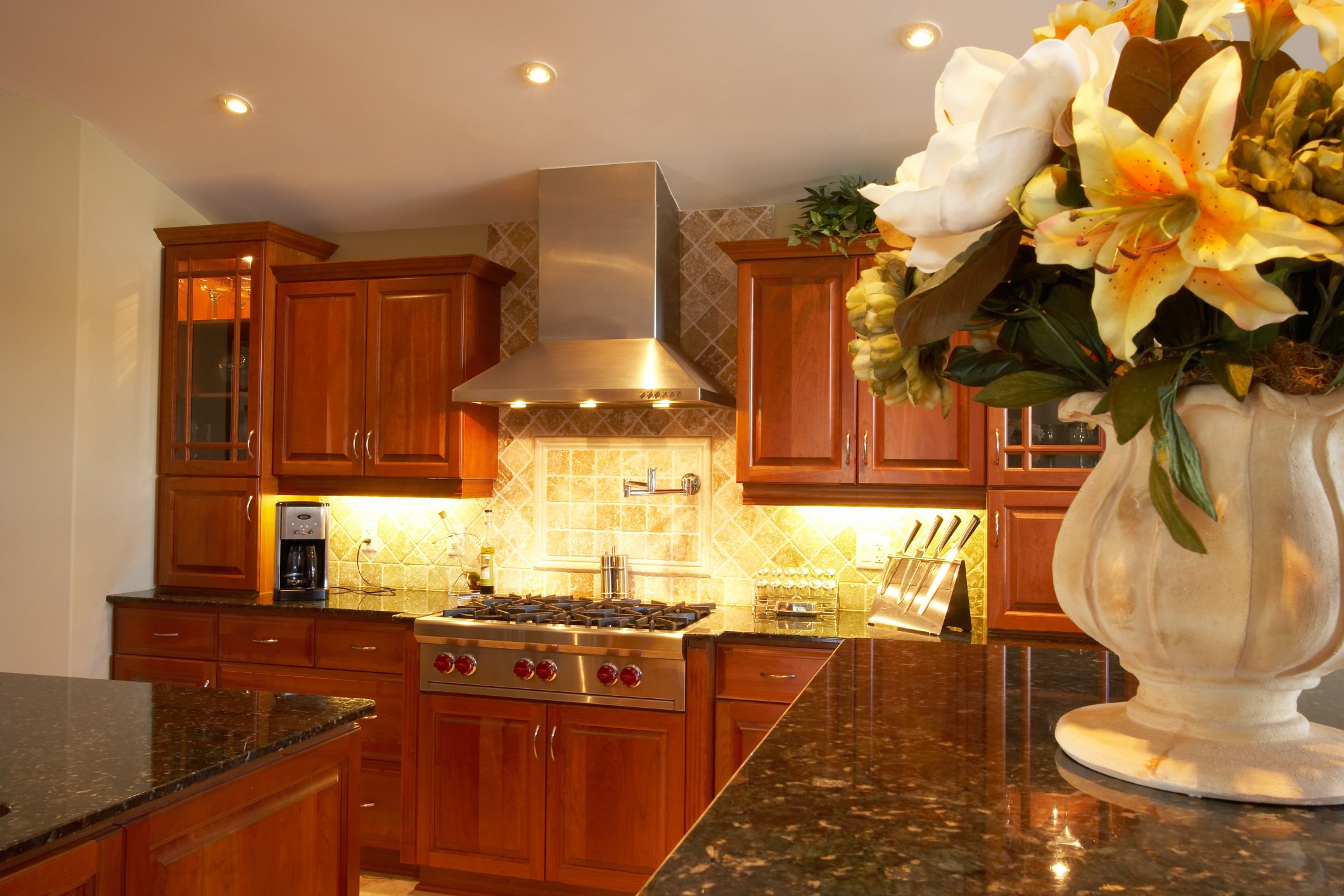How to Clean & Wax Kitchen Cabinets   eHow