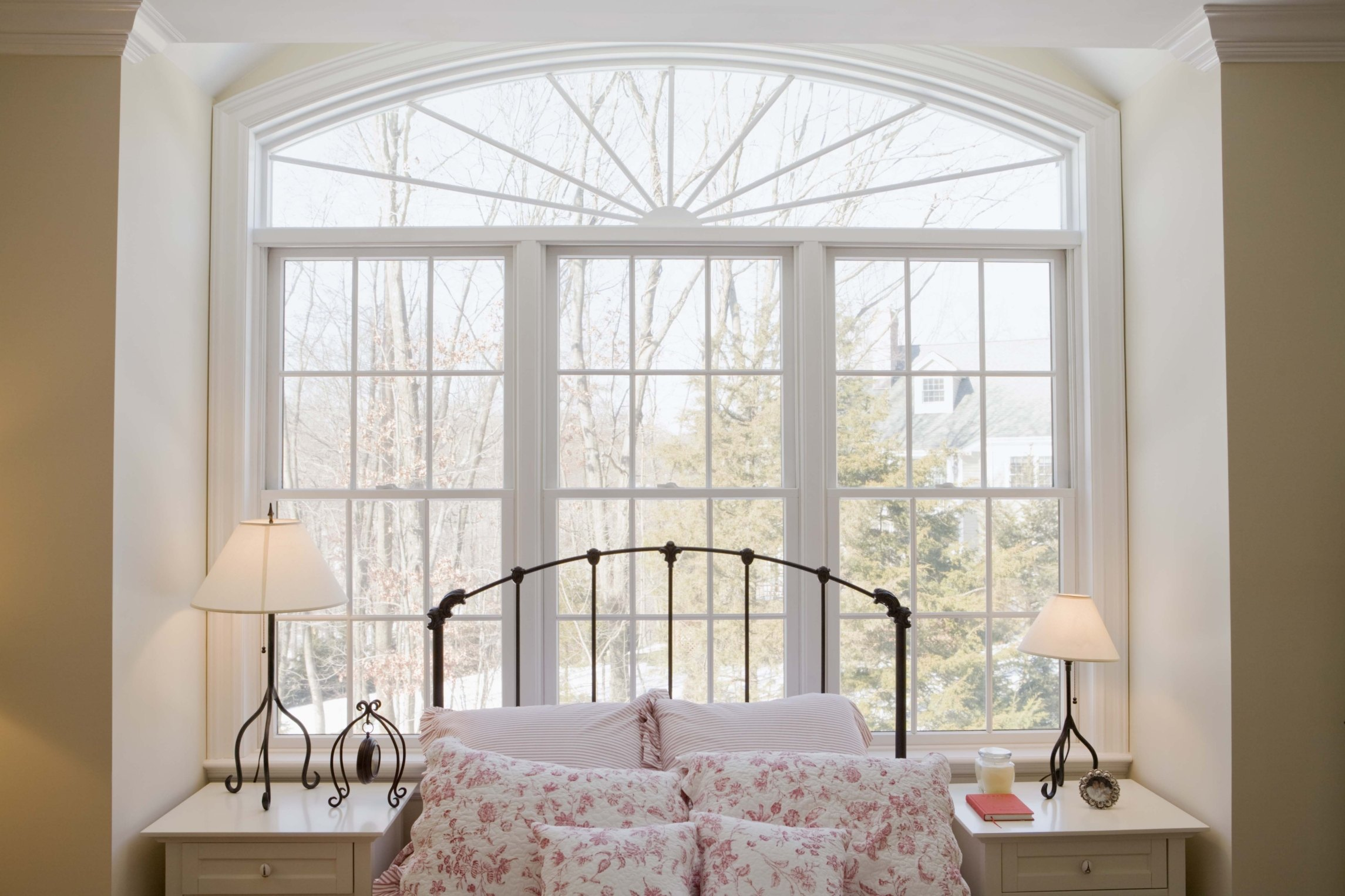 How To Arrange A Bedroom With Windows On Three Walls Ehow