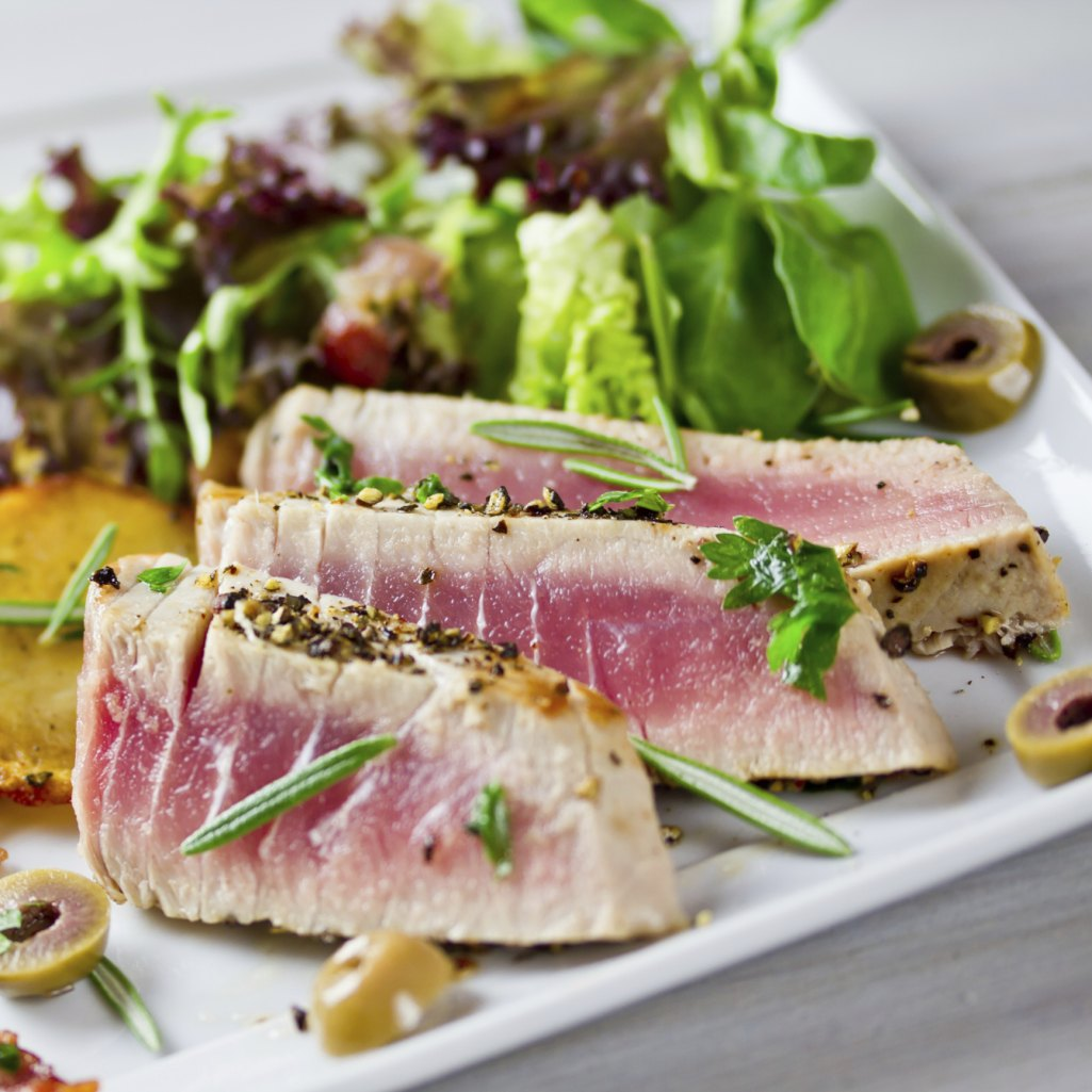How to cook tuna steaks with pictures ehow for How to cook tuna fish