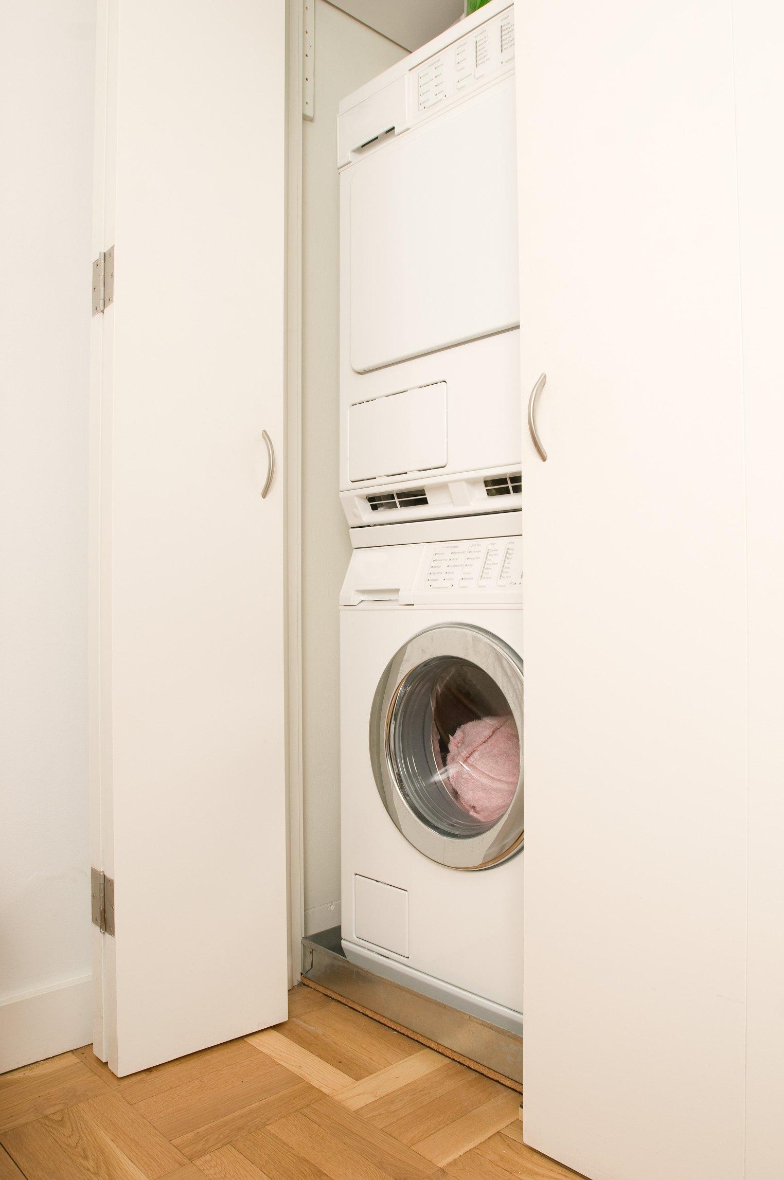 How To Build A Closet Around A Washing Machine Amp Dryer Ehow