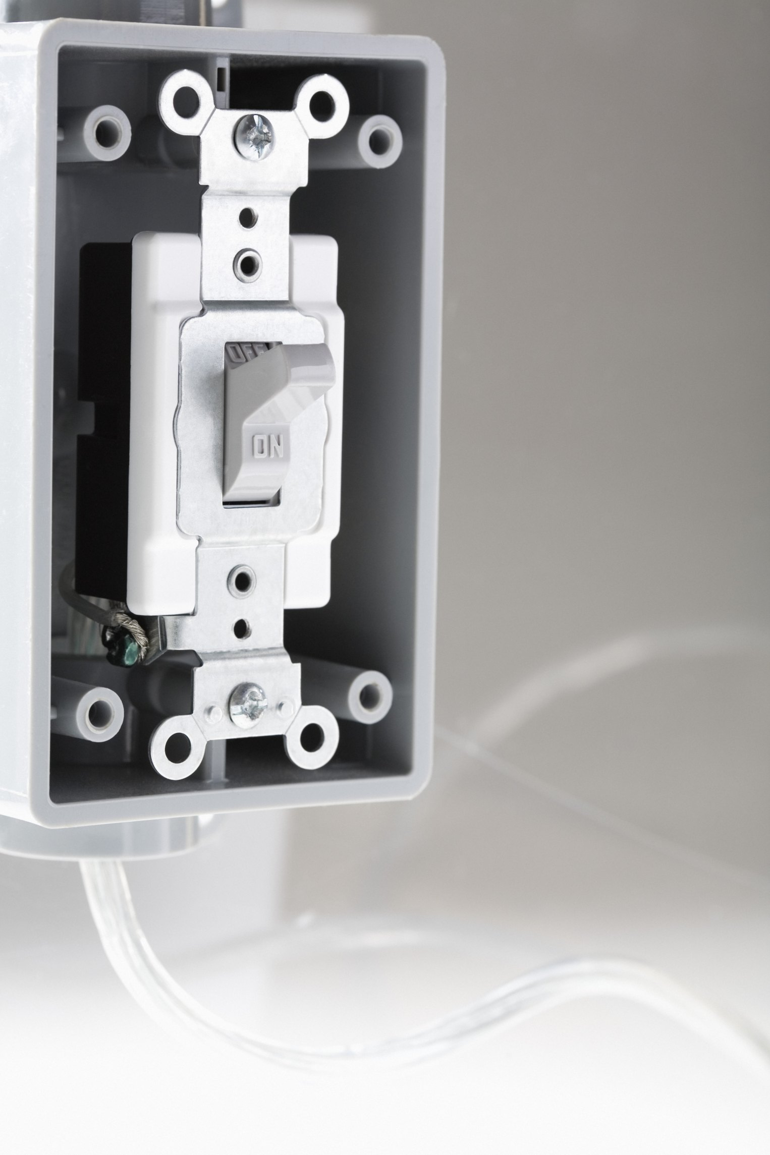 How to Jump a Light Switch | eHow