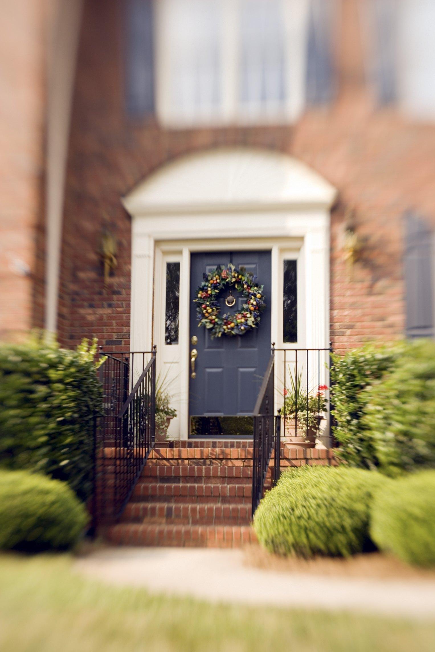 Surprising How To Make My Front Door Look Bigger Ehow Door Handles Collection Olytizonderlifede