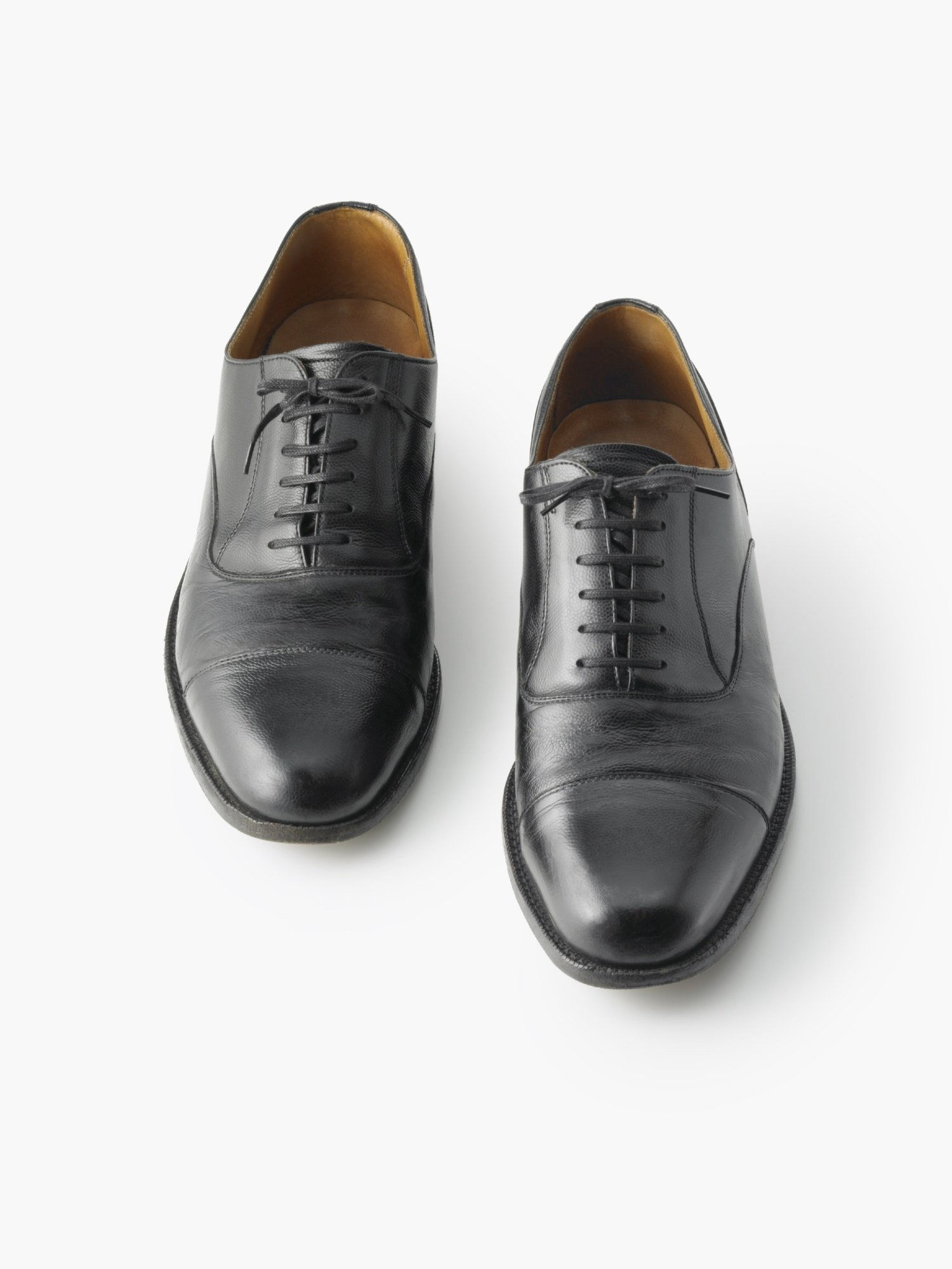 Remove Oil Leather Shoes